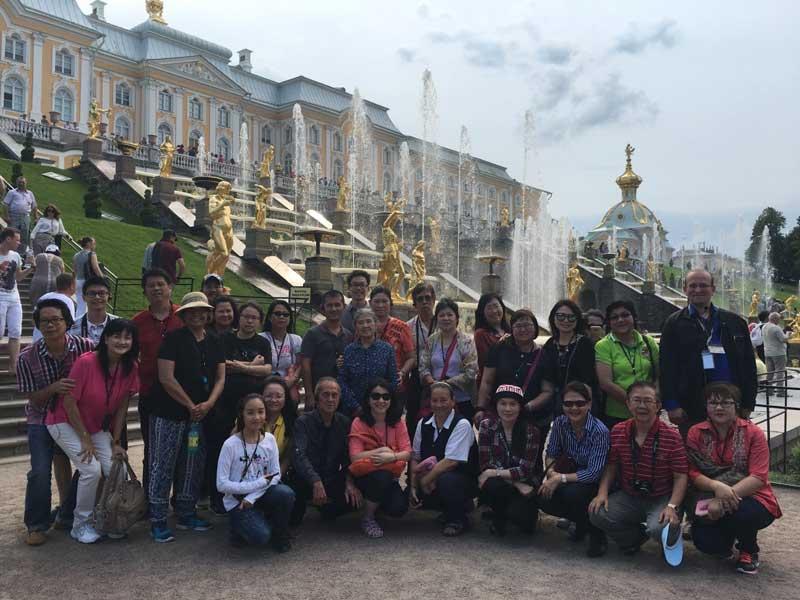 Peterhof-Palace,-Saint-Petersburg-(Russia-Group-Tour-June-2016)-
